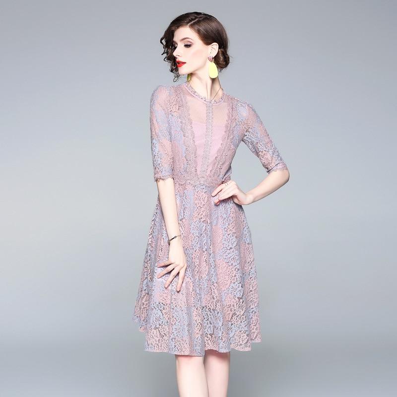 여름 2019 새로운 더블 컬러 레이스 레이스 섹시한 메쉬 중간 길이 유럽과 미국의 유명한 여성 드레스의 모양의 드레스