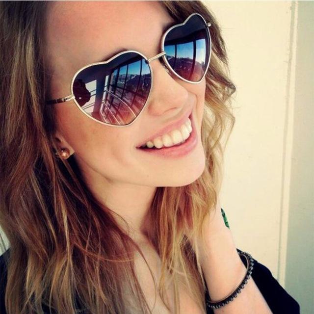 [해외]2018 숙녀 하트 모양의 선글라스 메탈 여성 브랜드 디자이너 패션 무테의 사랑 안경 레이 남자 거울 oculos de sol/2018 Ladies Heart Shaped Sunglasses metal Women Brand Designer Fashion Riml