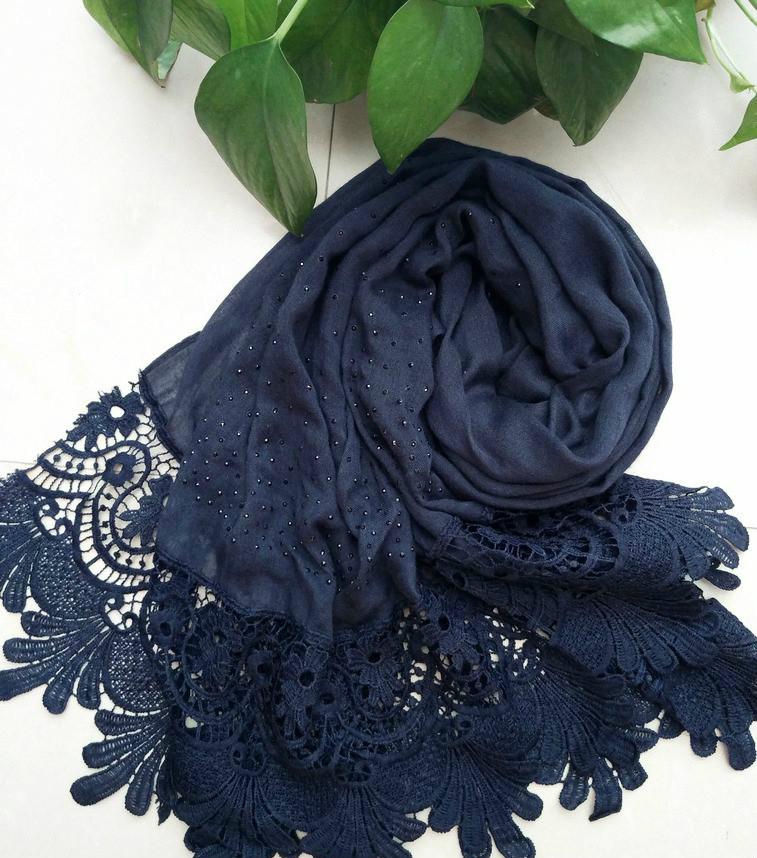 [해외]새로운 핫 면화 패션 레이스 스카프 hijab 꽃 자수와 shinny 비치 스카프 긴 이슬람 가을 포장 스카프 / shawls/New Hot cotton Fashion lace scarf hijab floral embroidery and shinny beach