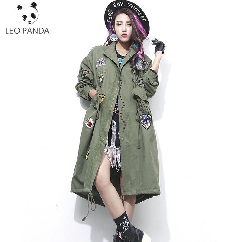 [해외]2017 봄 가을 새로운 편지 인쇄 윈드 파우더 여성 롱 섹션 코트 여성 느슨한 패션 리벳 대형 코트 LXT193/2017 Spring Autumn New Letter Printing Windbreaker Women Long Section Overcoat Fem