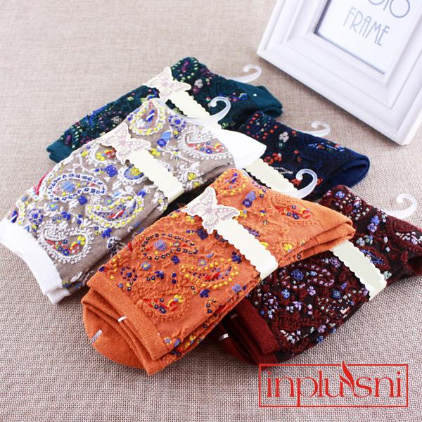 [해외]여성 양말에 우아한 복고풍 튜브 여성 양말 양말의 입체 패턴 (5pair / lot)/Three - dimensional patterns of women &s cotton socks elegant retro tube in the female socks(5pair