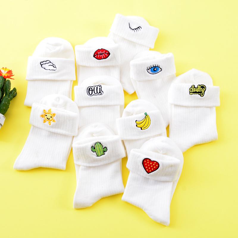[해외]1 쌍의 우유 흰색 색상 자수 심장 선인장 바나나 양말 귀여운 여성 숙녀 소녀 눈 일 입술 심장 - 모양의 양말/1 Pair Milk White Color Embroidery Heart Cactus Banana Socks Cute Women Ladies Girl
