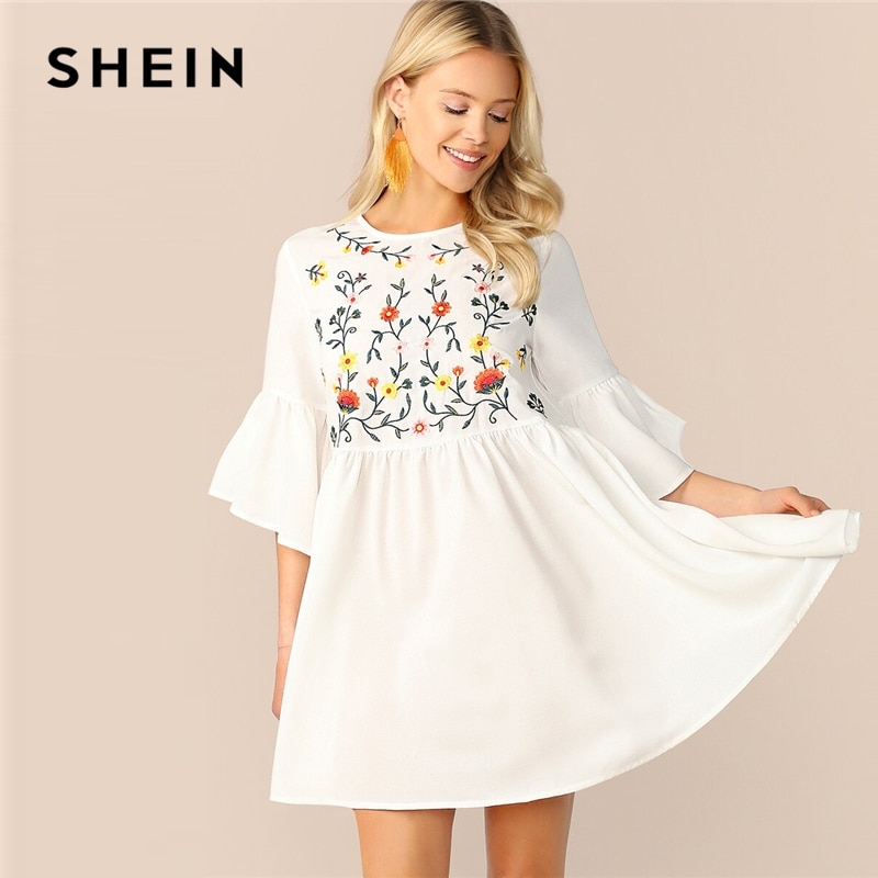 Shein 수 놓은 꽃 플레어 슬리브 작업복 boho 라인 여성 플레어 귀여운 드레스 화이트 높은 허리 여름 드레스