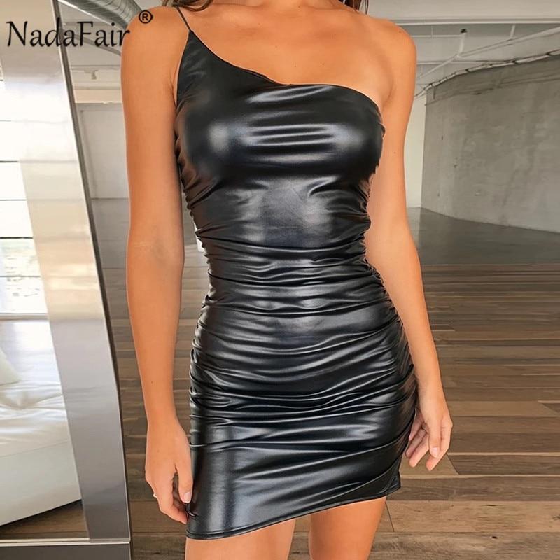 Nadafair 가죽 드레스 어깨 미니 Bodycon 드레스 여성 Backless 블랙 Ruched 파티 나이트 클럽 PU 섹시한 여름 드레스 Vestido