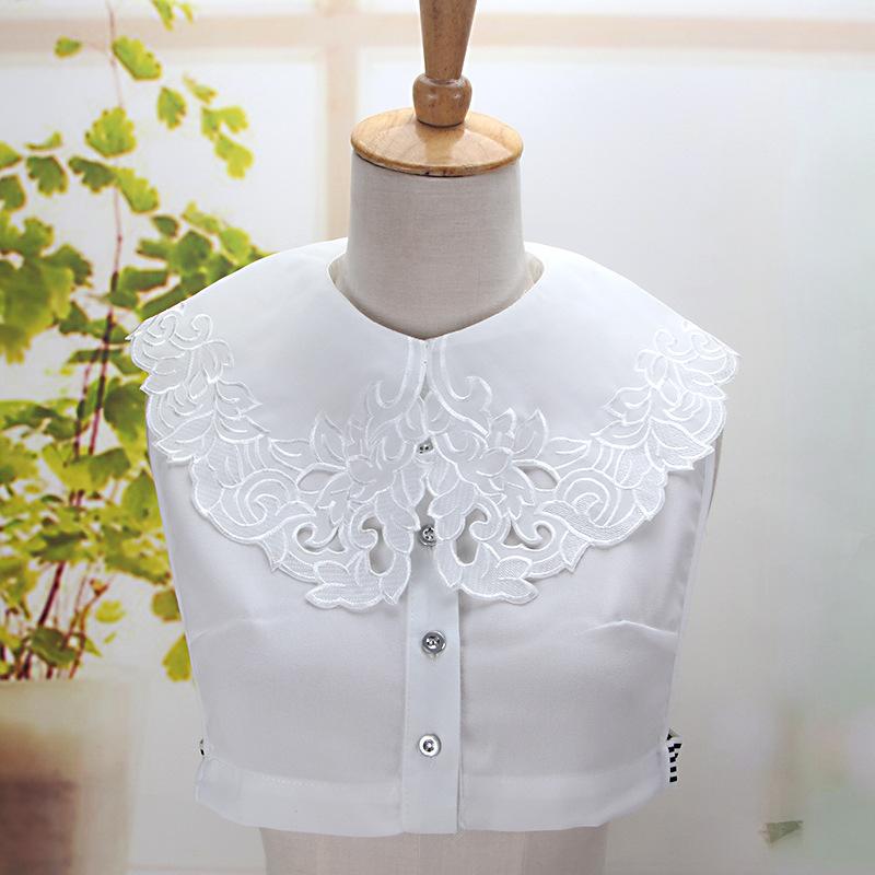 [해외]2018 여성 스트랩 스웨터 셔츠 레트로 자 수 꽃 라인 석 가짜 고리 옷 깃 크리스탈 빈 레이스 분리형 거짓 고리/2018 Women Strap Sweater Shirt Retro Embroidery Flower Rhinestone Fake Collar Lap