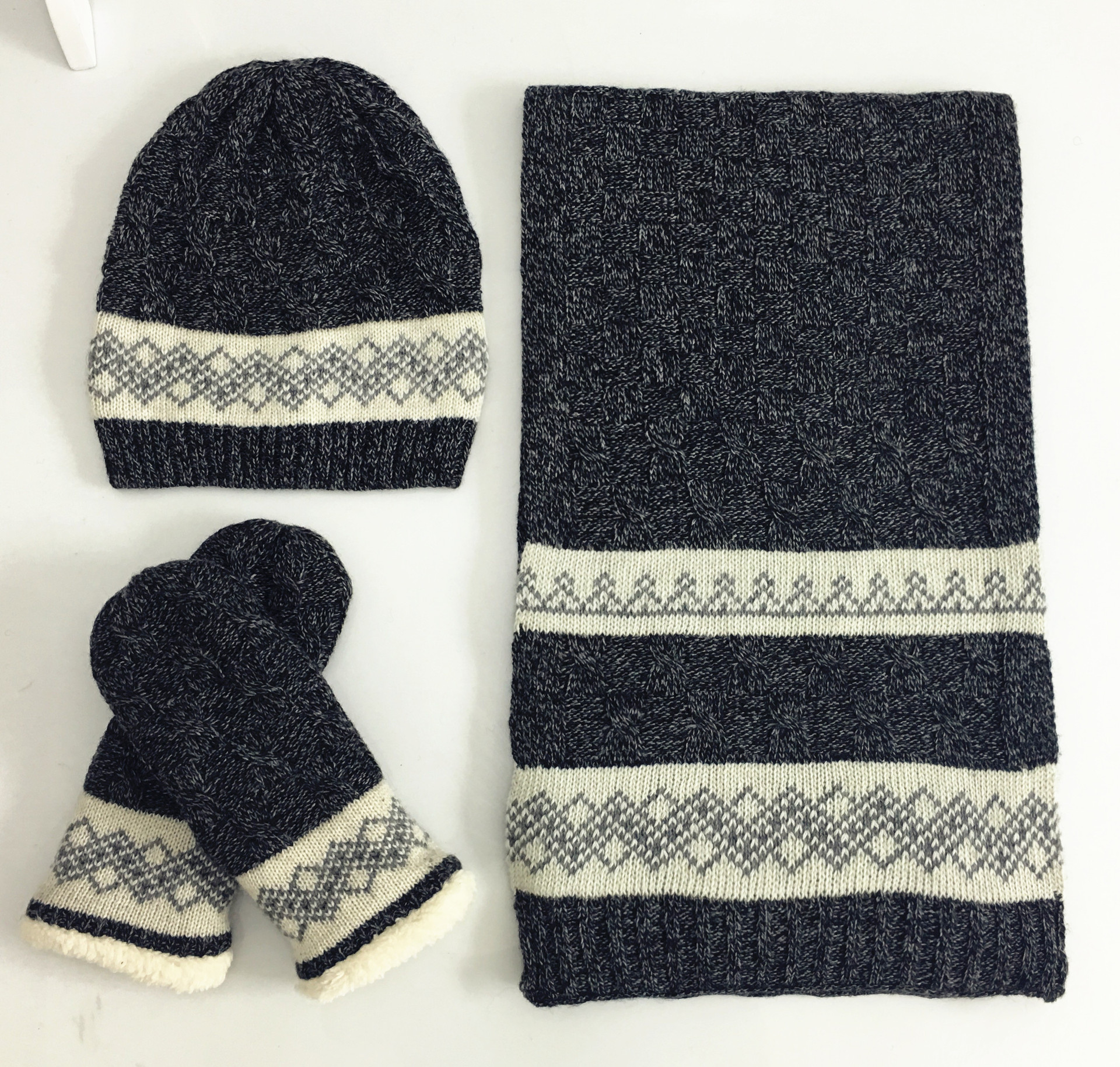 [해외]새로운 패션 니트 비니 플러스 두꺼운 벨벳 모자 스카프 장갑 세트 겨울 스카프 3 개 세트 남자 Beanies Gorros/New Fashion Knitted Beanie Plus thick velvet Hat Scarf Gloves Set Wiomen Wint