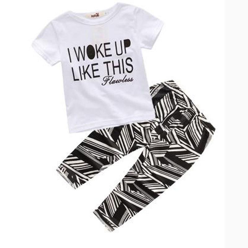 [해외]아동복 2018 봄 여름 베이비 키즈 소년 스포츠 캐주얼 정장 소녀 소년 티셔츠 + 홀 청바지 2pcs 아동복 세트/Children&s Wear 2018 spring Summer Baby kids Boys Sports casual Suit girl boy T-s