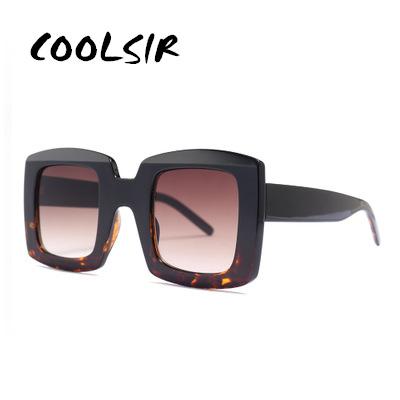 [해외]OLPAY New Retro Square Sunglasses Women 2019 Brand Designer Oversized Sun Glasses Fashion Female Gradient Shades Oculos UV400/OLPAY New Retro Squa