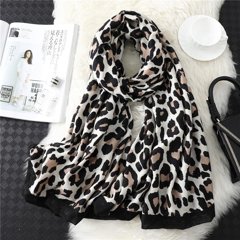 [해외]2019 Designer brand women scarf leopard print cotton large size pashmina lady shawls winter warm animal pattern foulard hijabs/2019 Desi